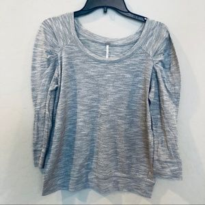 Free People Gray 3/4 Ruched Sleeve Sweater A1